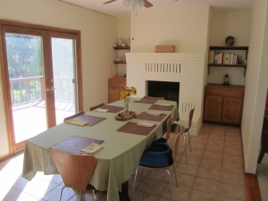 we got rid of the flesh colored walls as well...this is the table set up (with the extension leaf) for guests